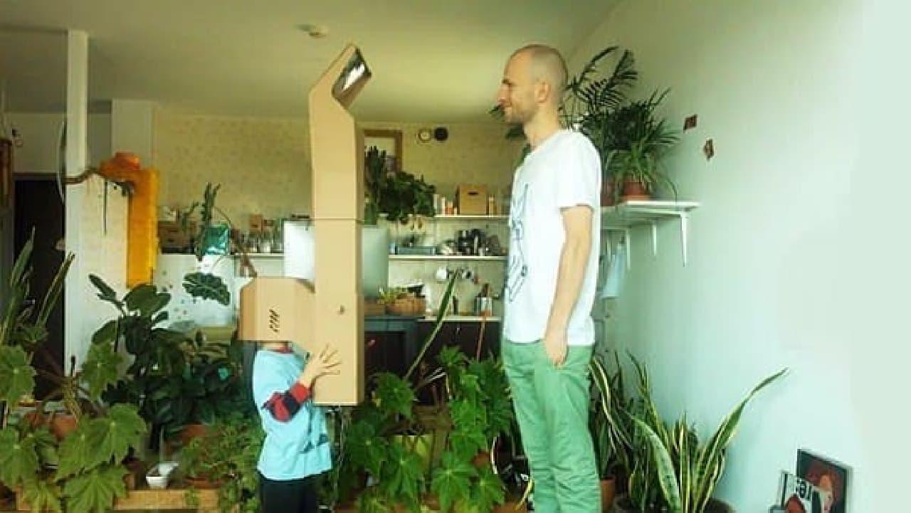 子どもがお父さんと同じ目の高さでお話しできたりします