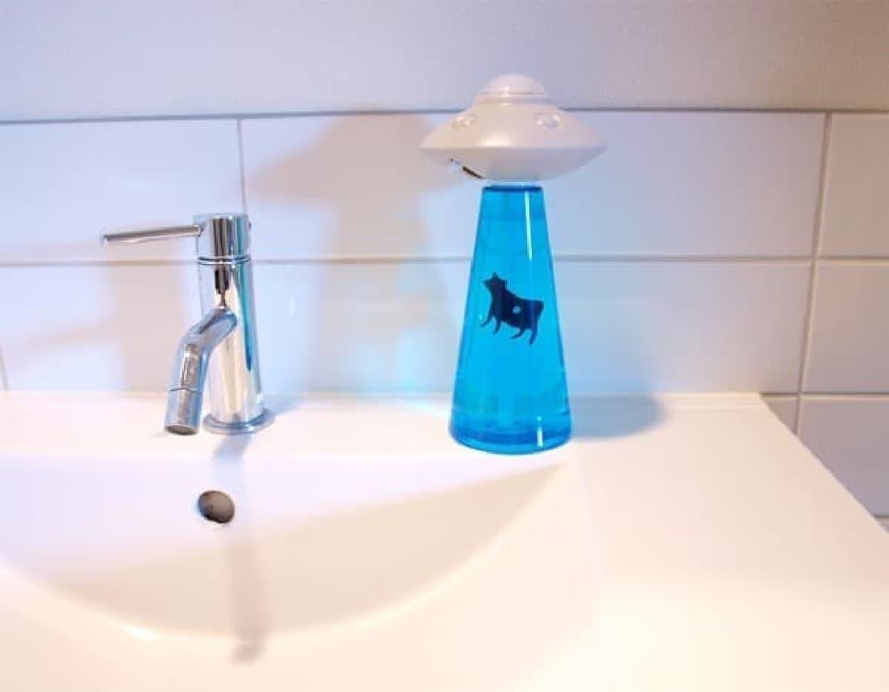 なんでもない普通の洗面所が  ちょっとだけ、宇宙っぽくなります