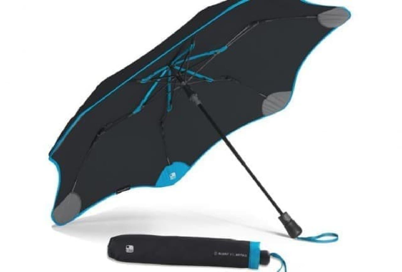 BLUNT の最新モデル「Blunt + Tile」  スマートフォンでトラッキングできる傘です