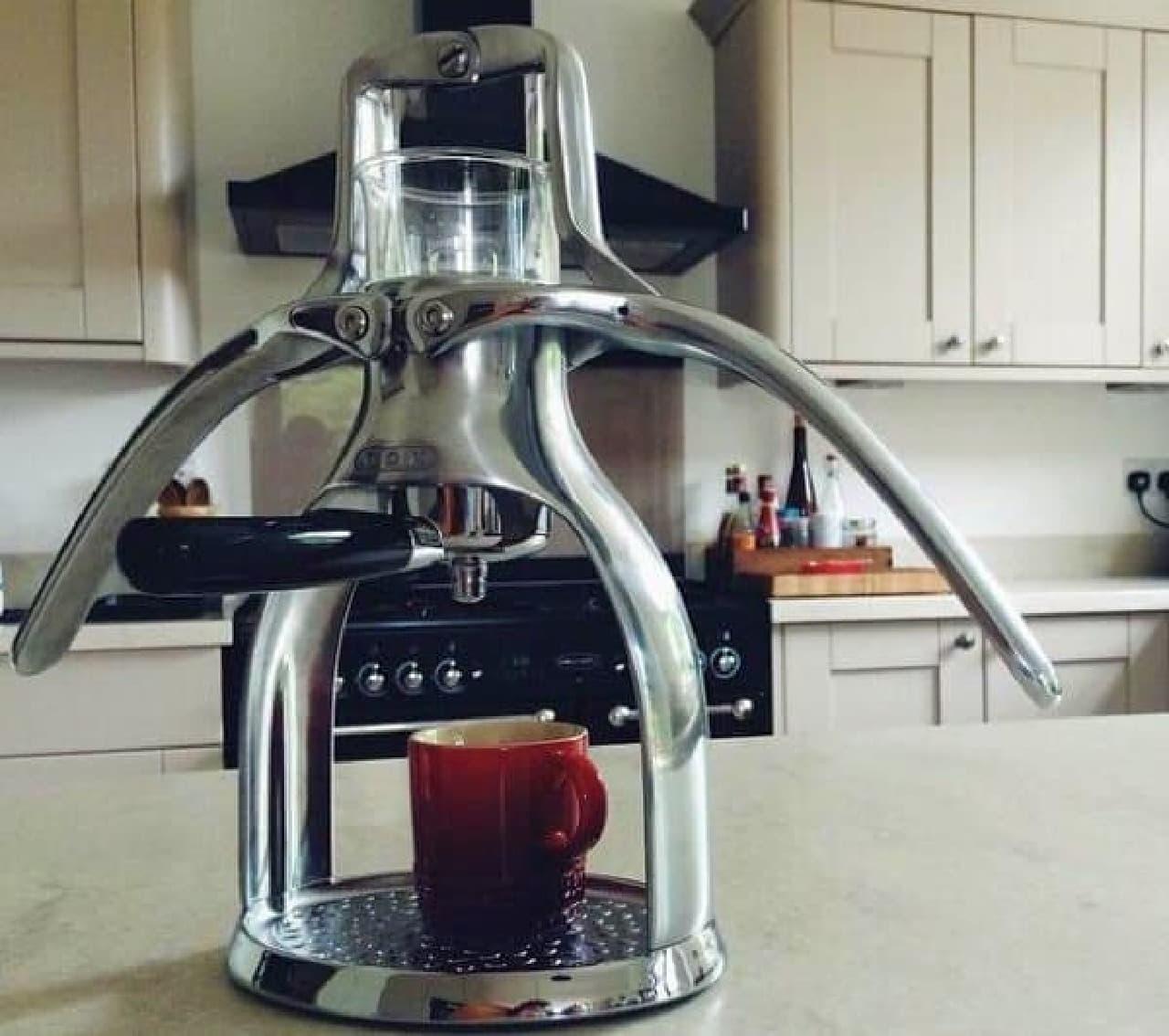 英国 ROK の美しいエスプレッソメーカー「ROK Espresso Maker」