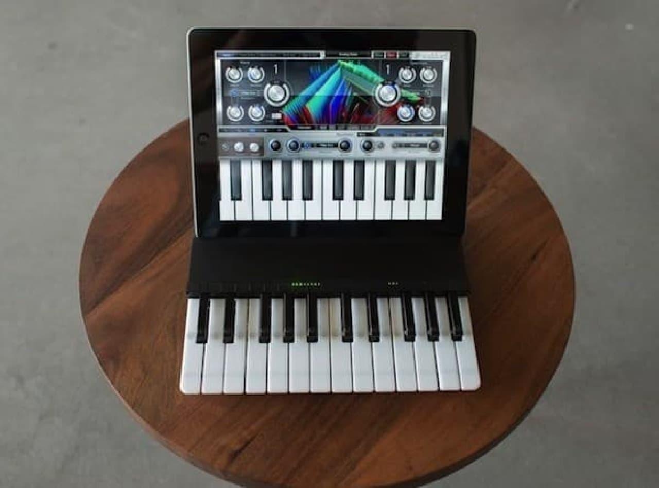 「Miselu C.24」は Bluetooth キーボード内蔵の iPad ケース