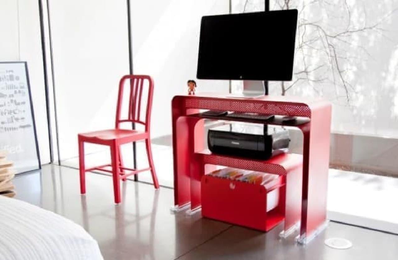 机の中にまた机!  マトリョーシカみたいなデスクセット「OneLess Office」