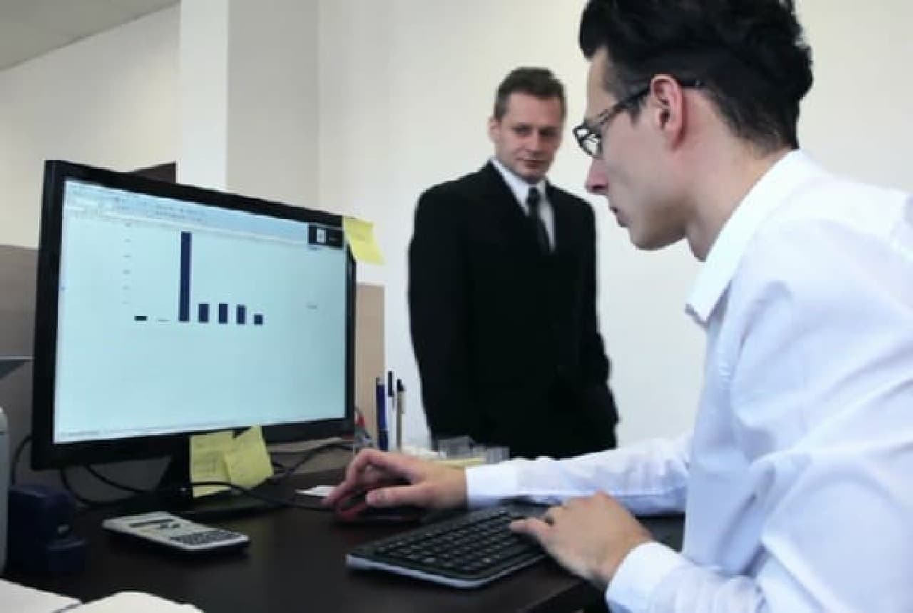 モニターとキーボードを用意すれば、普通のパソコン同様に機能します  デスクまわりがすっきり!?