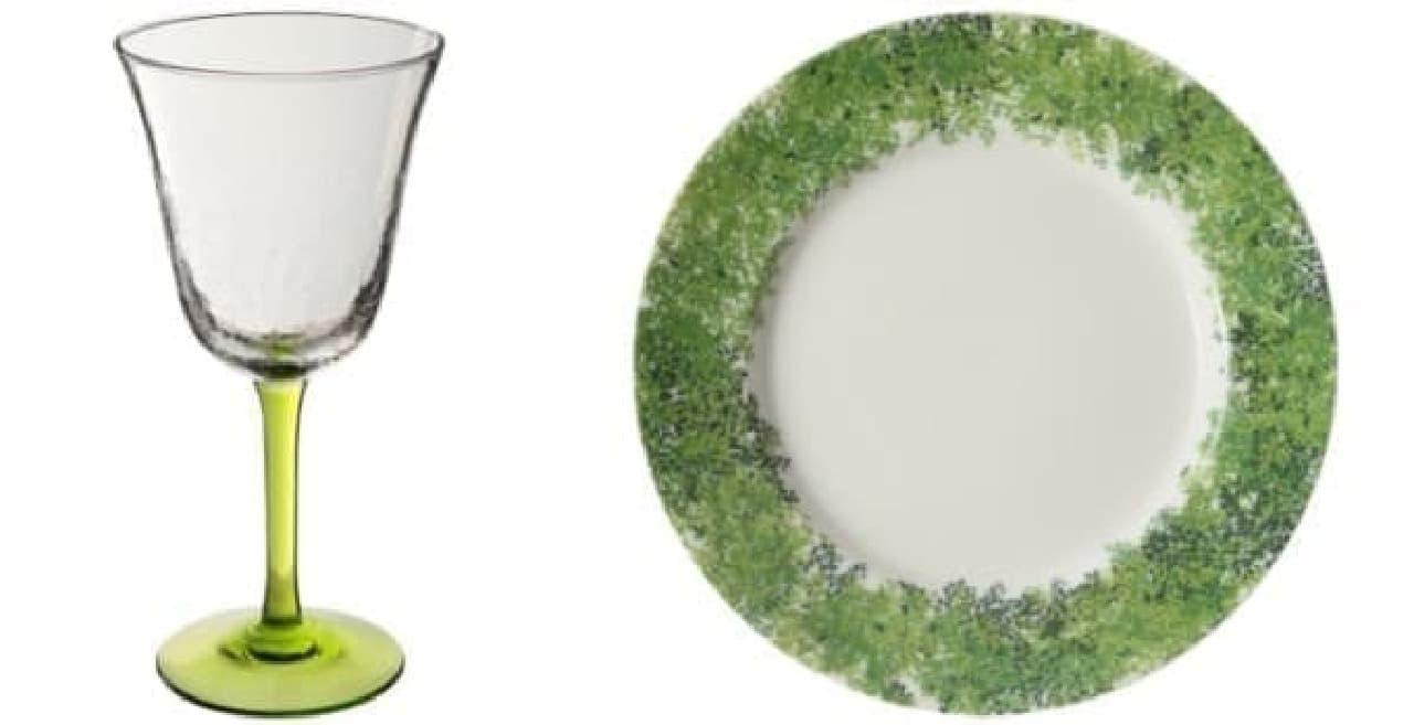 (左)「イビー シャンパン」(1,800円)  (右)「アルブル ディナー プレート」(2,000円)