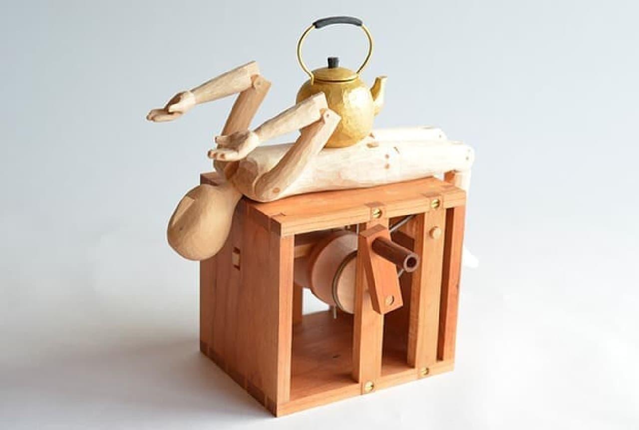 原田さん製作のオートマタ「へそで茶を沸かす」