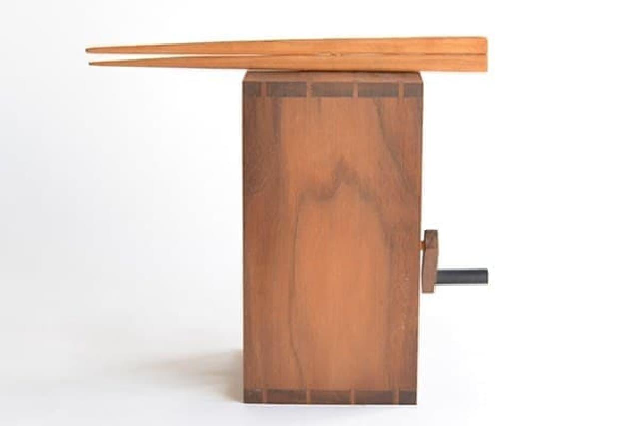 原田さんの作品「箸が転んでも可笑しい」