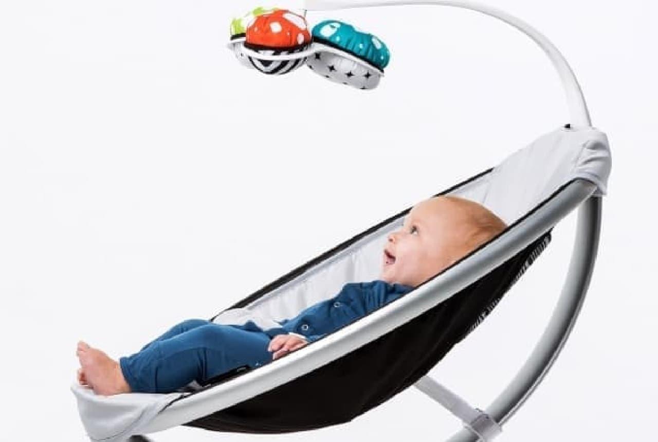 心地よい揺れと音楽で赤ちゃんを夢の中へ…