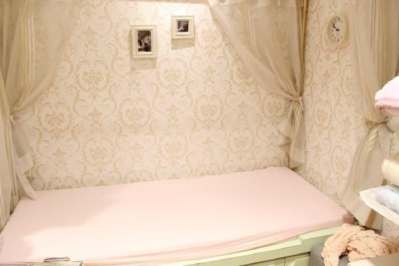 2台のベッドで別々のマットレスも試せるのだとか