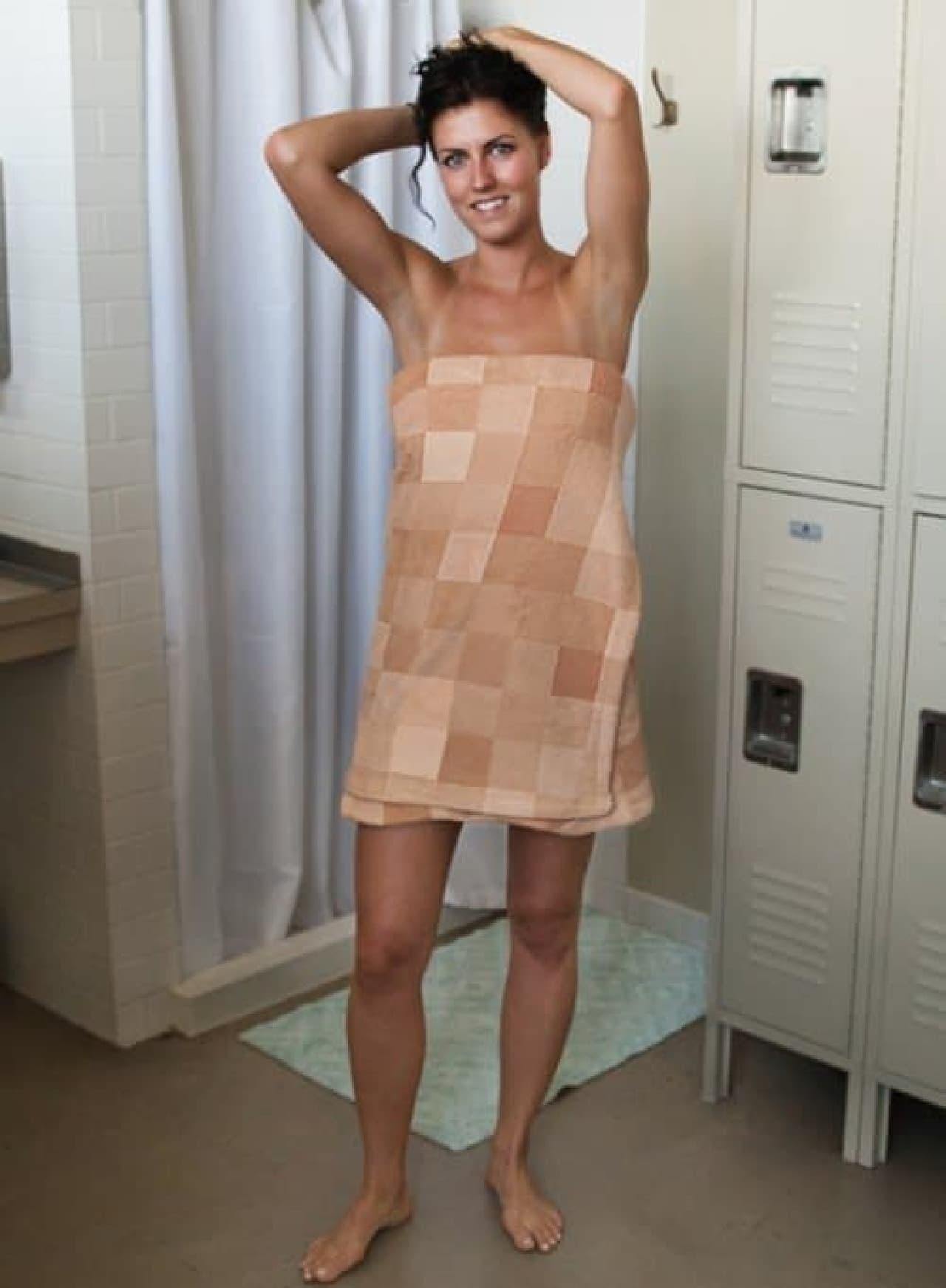 身体にモザイクをかけられる「Censorship Towel(モザイクタオル)」