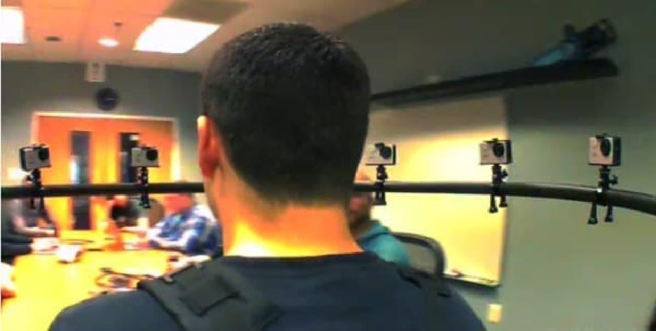 重要な会議に出席中の自分の後頭部を記録できる!