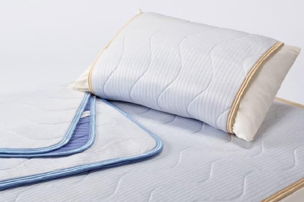 寝返りのたびにひんやり  「アイスマックス冷感パッドシーツ(1万5,000円~)/冷感ピローパッド(4,500円)」