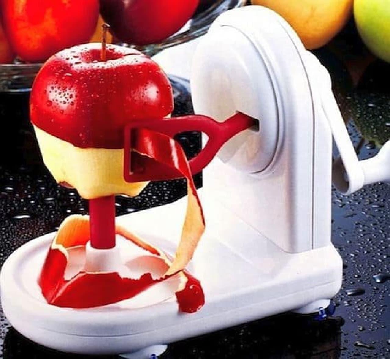参考画像:「リンゴの皮をむく」ためだけのグッズ  包丁、使えば良いのに……。