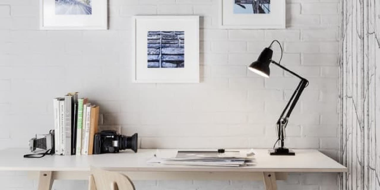 「Giant Floor Lamp」のモデル、デスクライト「Original 1227」  子どもの頃使ってました