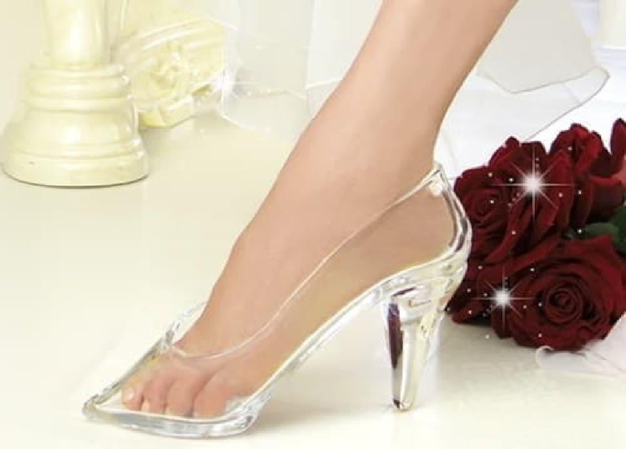 「本当に履けるガラスの靴~エマ~」  男性から女性へのプレゼントにぴったりです