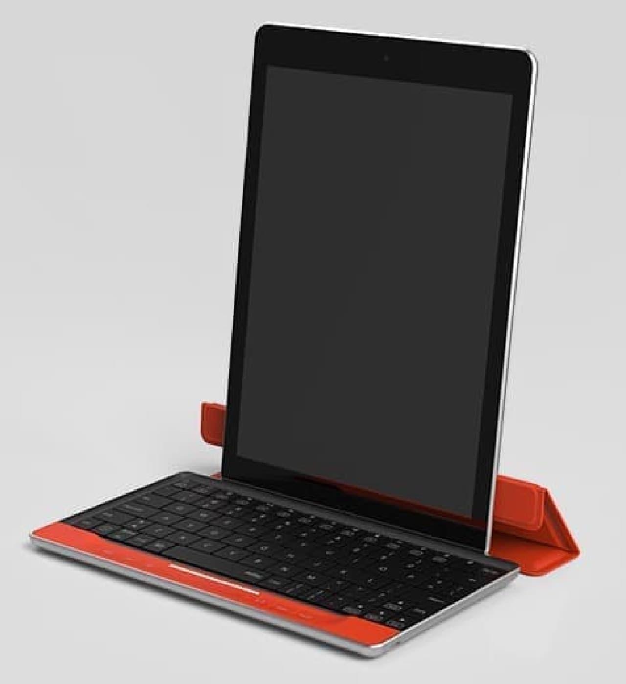 キートップカバーをタブレットスタンドとして利用した例
