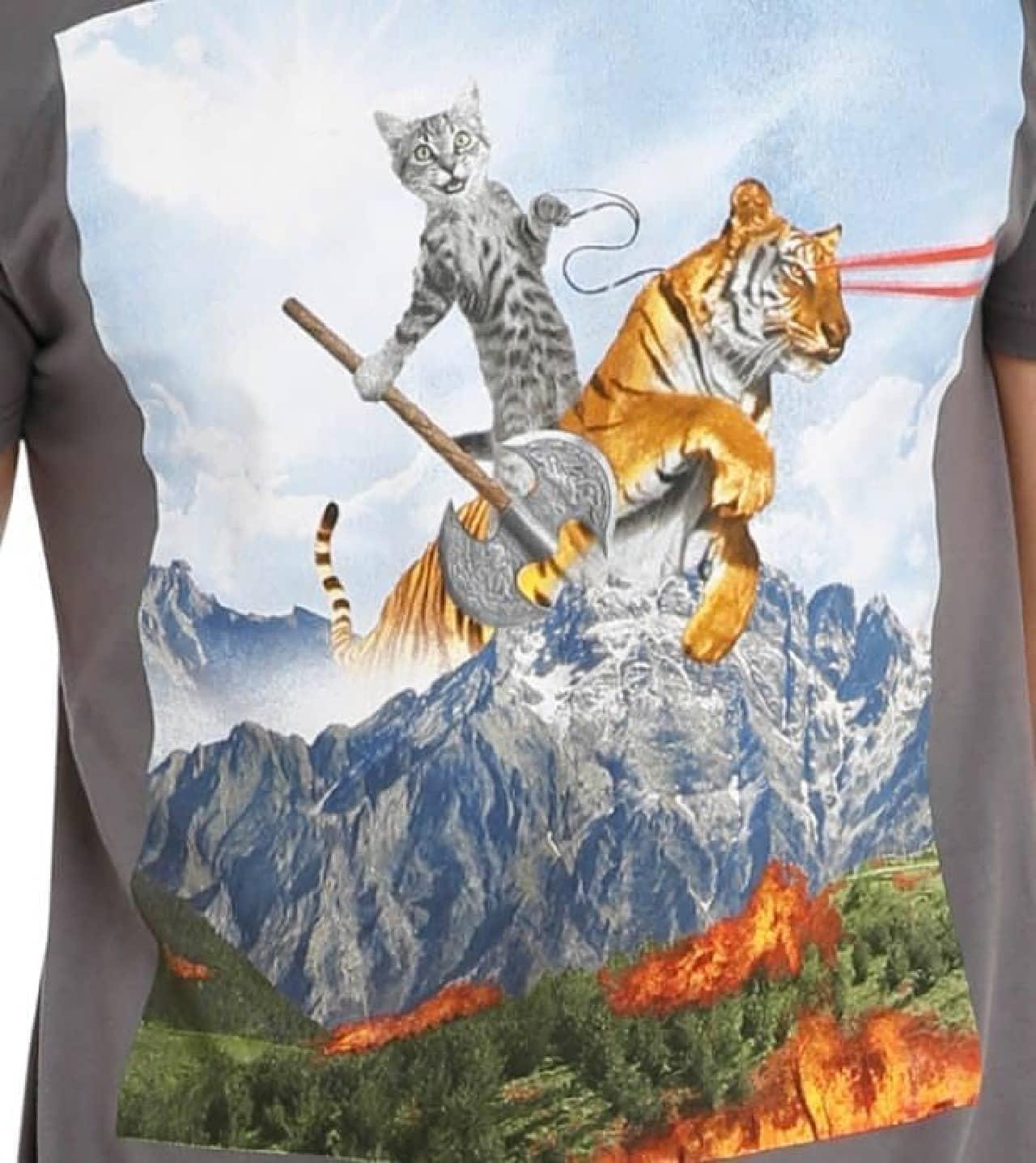 トラにまたがったネコは楽しそう&ちょっとおバカそうです  多分、ワナに嵌められています