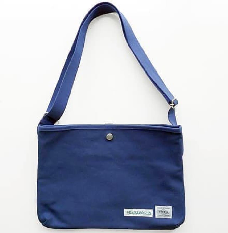 A5サイズの単行本が入るオリジナルバッグ。欲しい!  (出典:「村上さんのところ」公式Facebook)