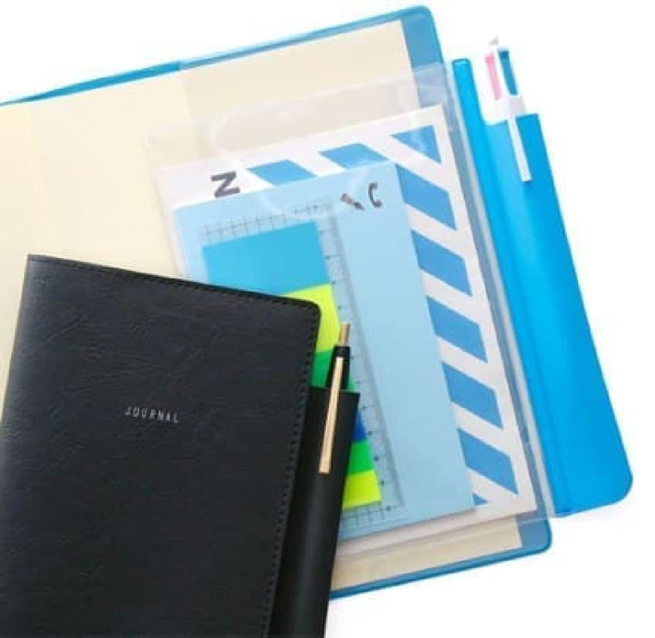 手帳に合わせて色やサイズを選んで