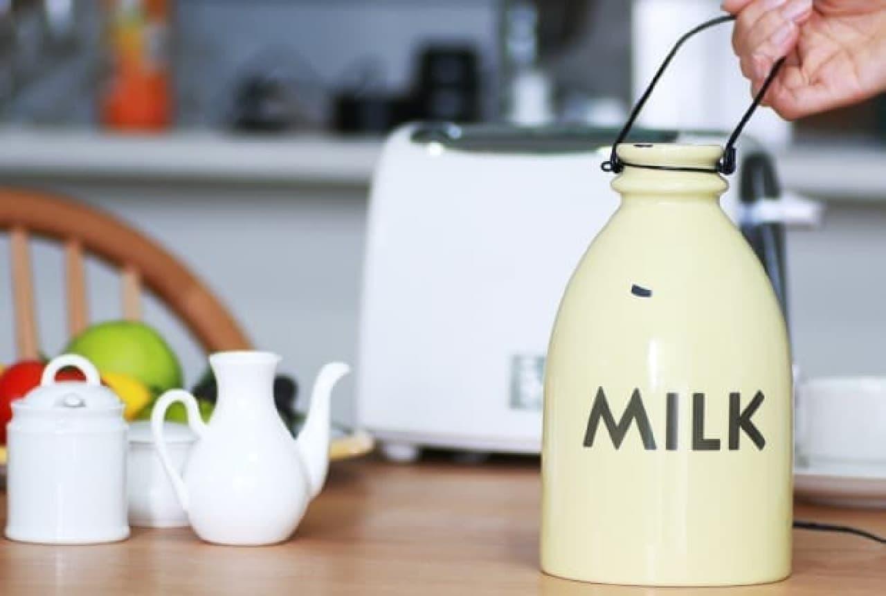 まるで牛乳瓶のようなアロマディフューザー(5,900円)