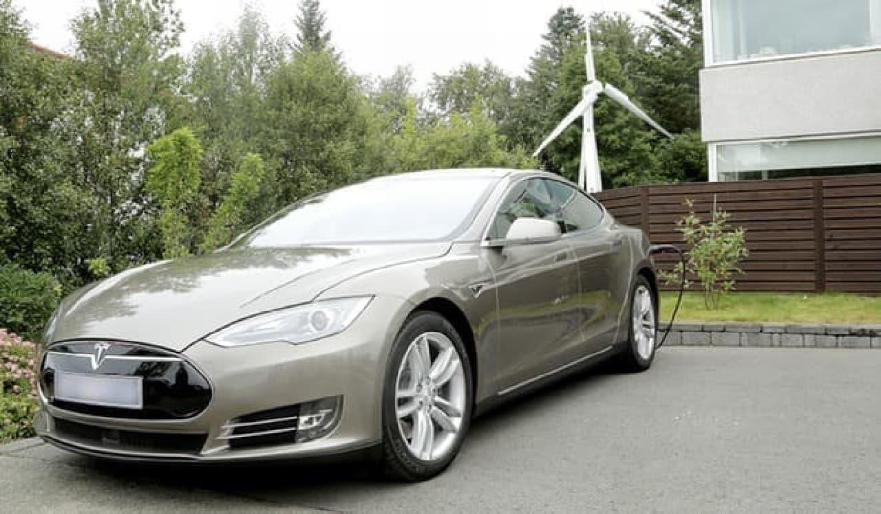 Trinity 2500は電気自動車への充電も可能
