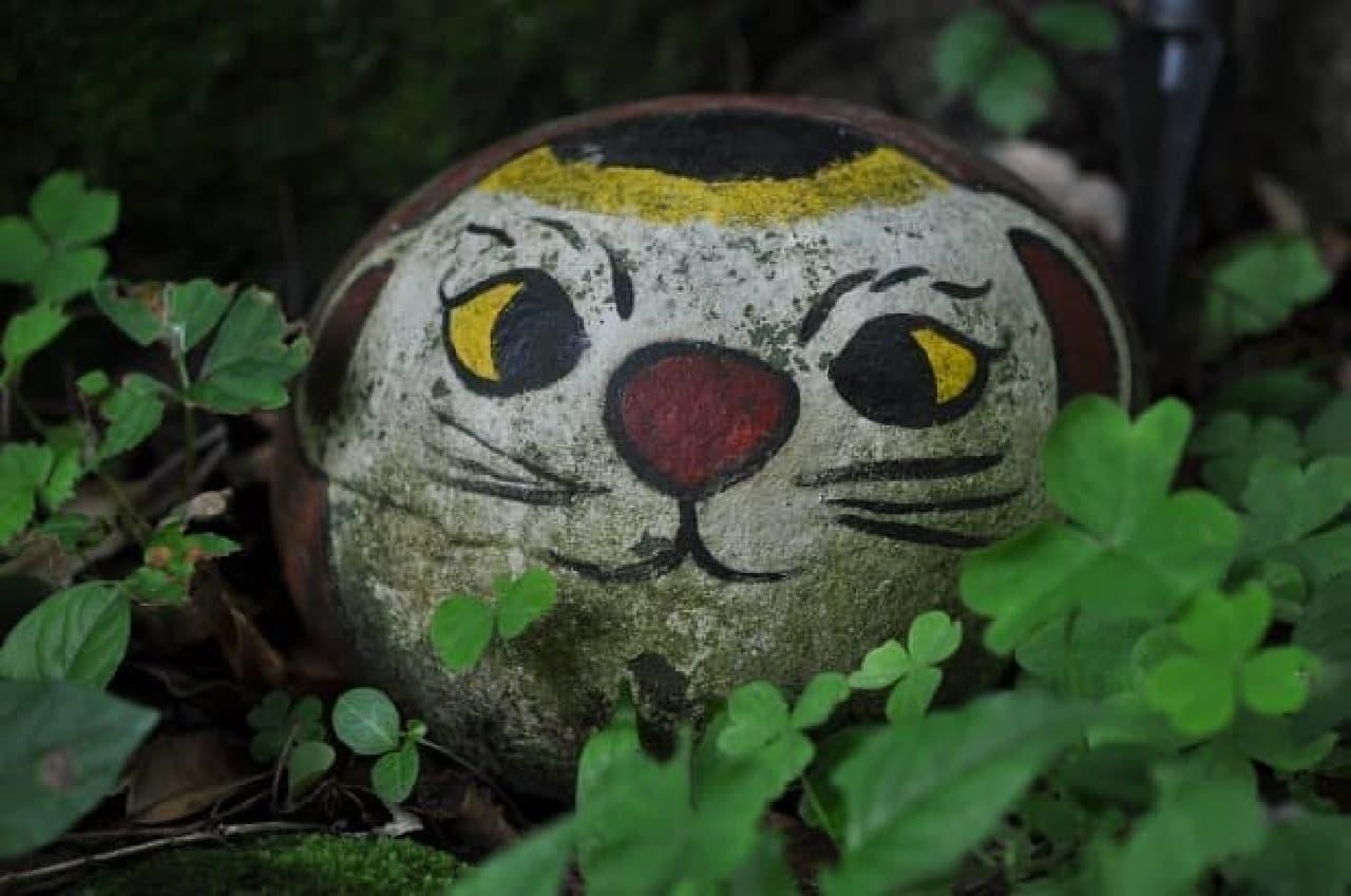 猫の細道には「福石猫」が隠れているニャ