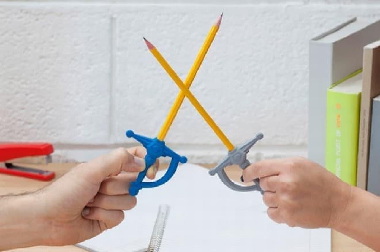 鉛筆を剣に変える消しゴム「PENSWORD」