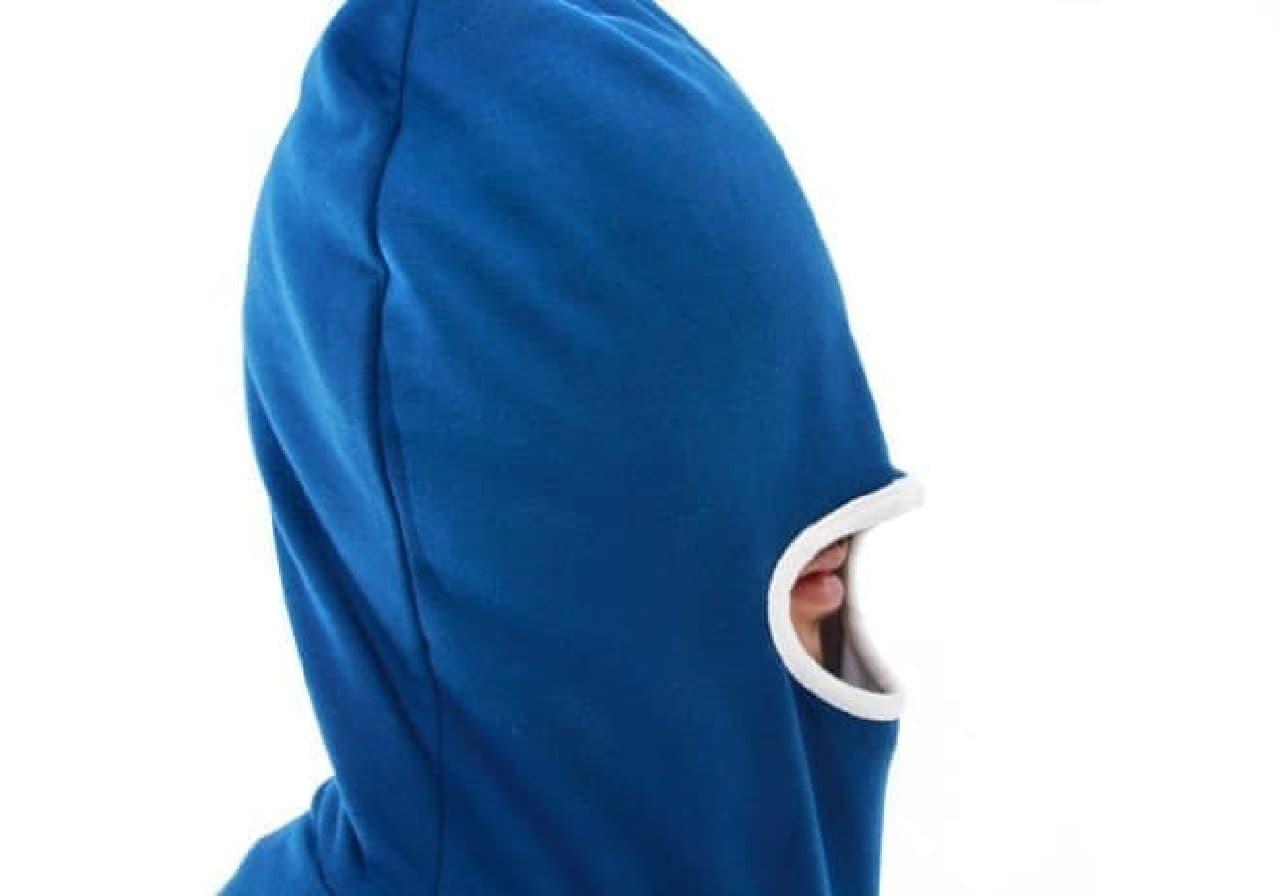 外界の情報を完全に遮断する「寝落ちマスク」