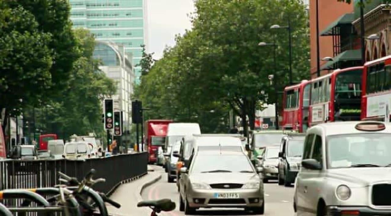 ロンドン市内の渋滞は激しい