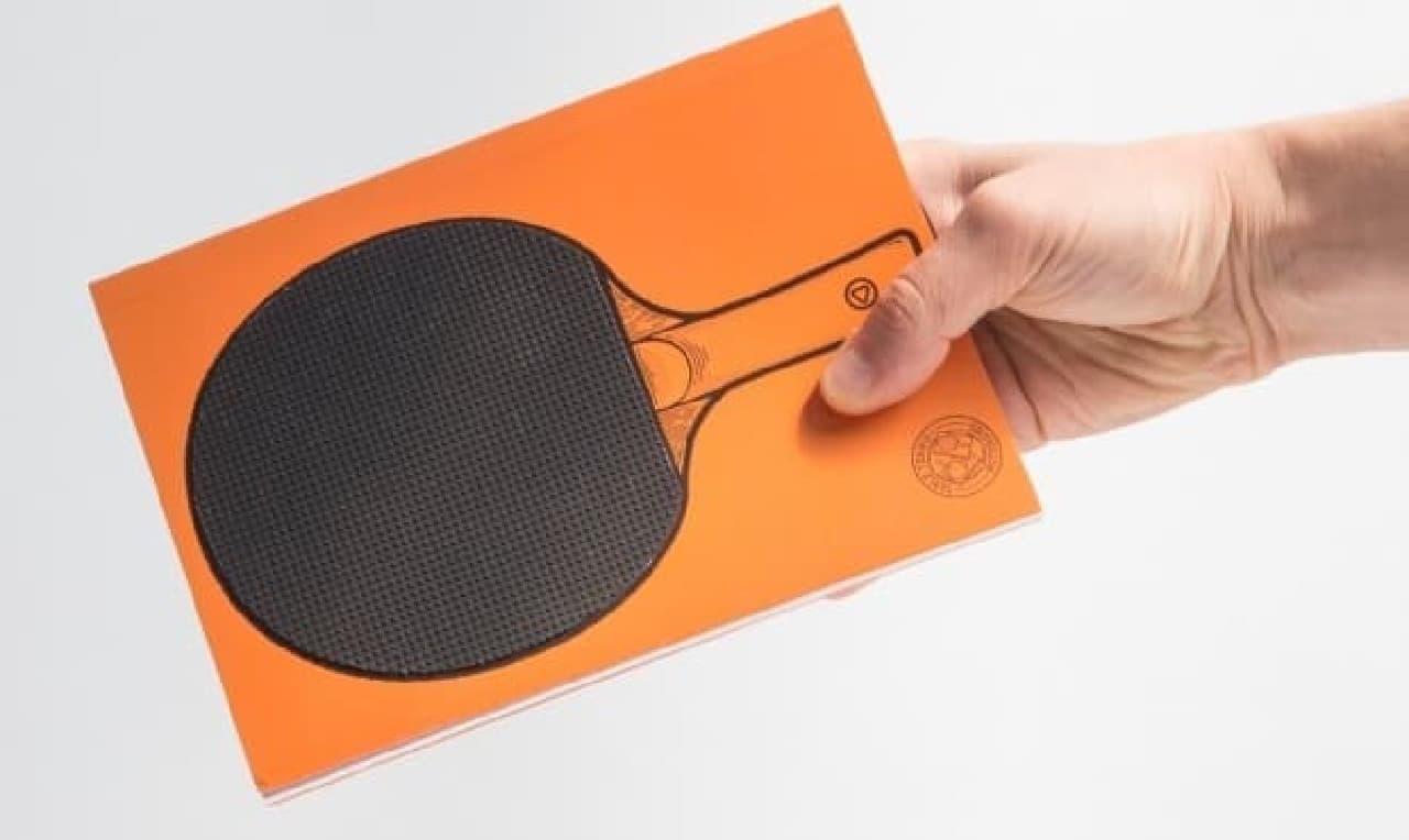 こちらはオレンジのラケット