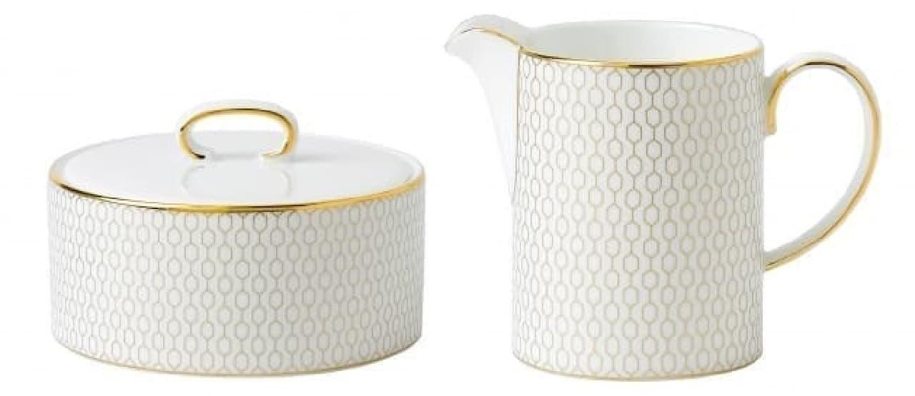 (左)シュガーボックス(ハニカム/ホワイト)/8,000円  (右)クリーマー(ハニカム/ホワイト)/7,000円