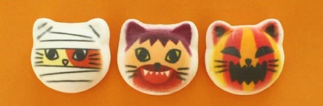 ハロウィンバージョンのニャシュマロ「ハロウィーンニャシュマロ」  左から、「ミイラマン」さん、「オオカミ男」さん、「ジャックオランタン」さん