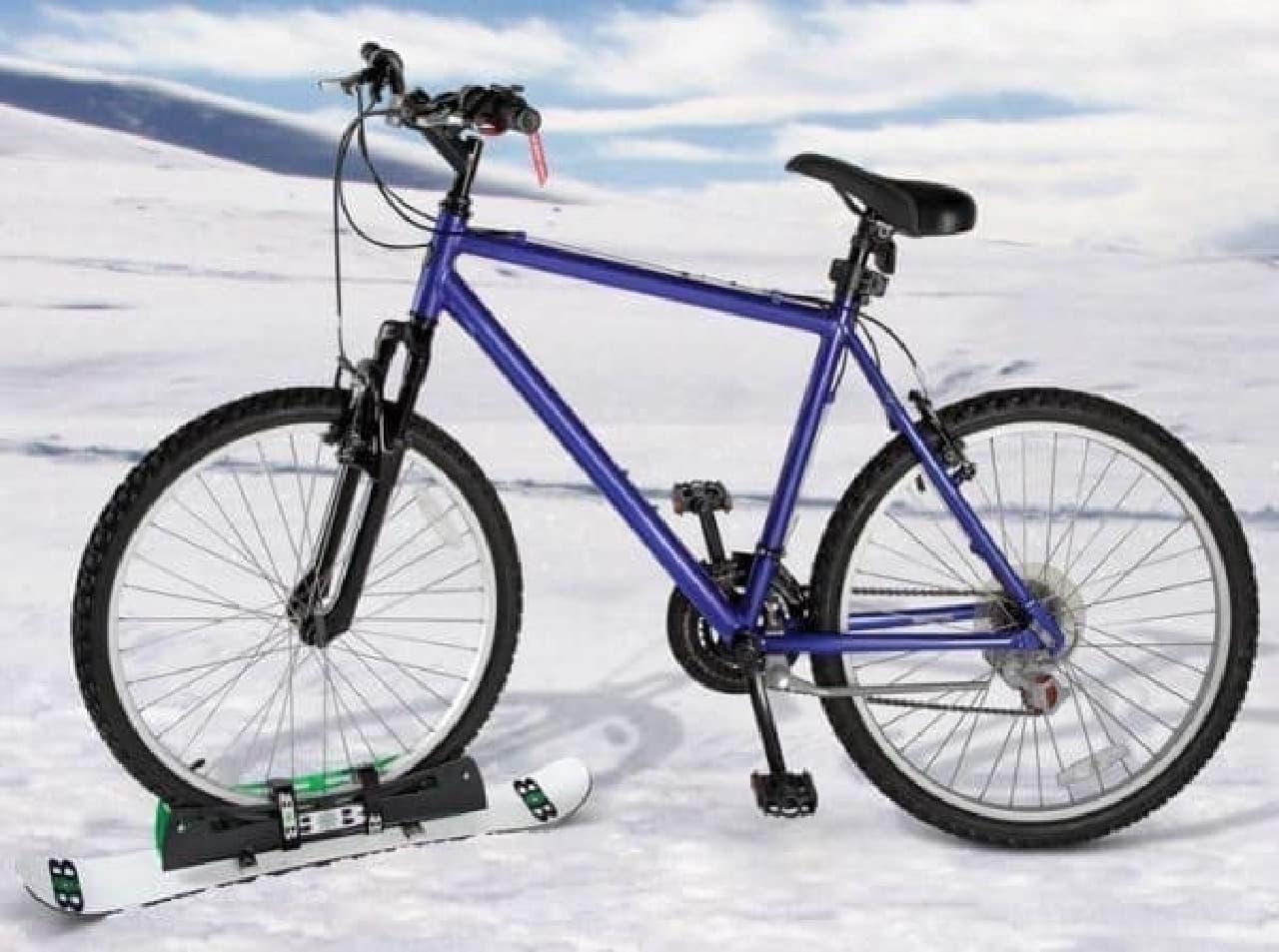 参考画像2:雪上をスケートボードのように走行できる自転車「Bike Snowboard」