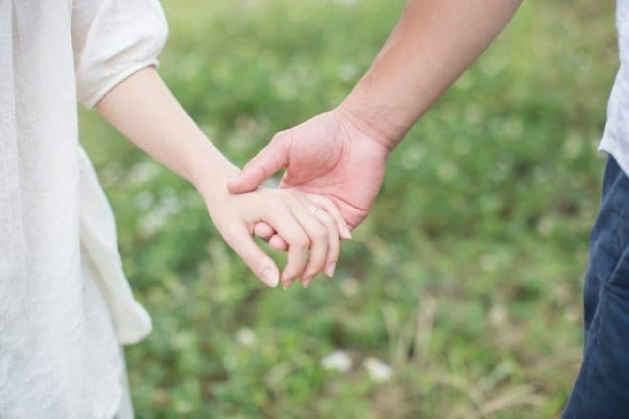 8割以上の女性が、恋愛や結婚のパートナー選びに男性の体型を重視