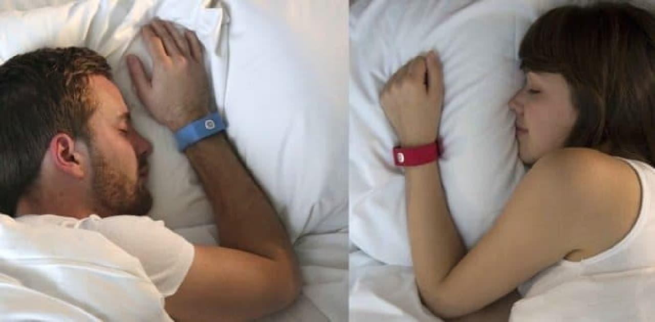 眠っているときも彼のハートビートを感じていたい  そんな女性向けのラブツール「Pillow Talk」