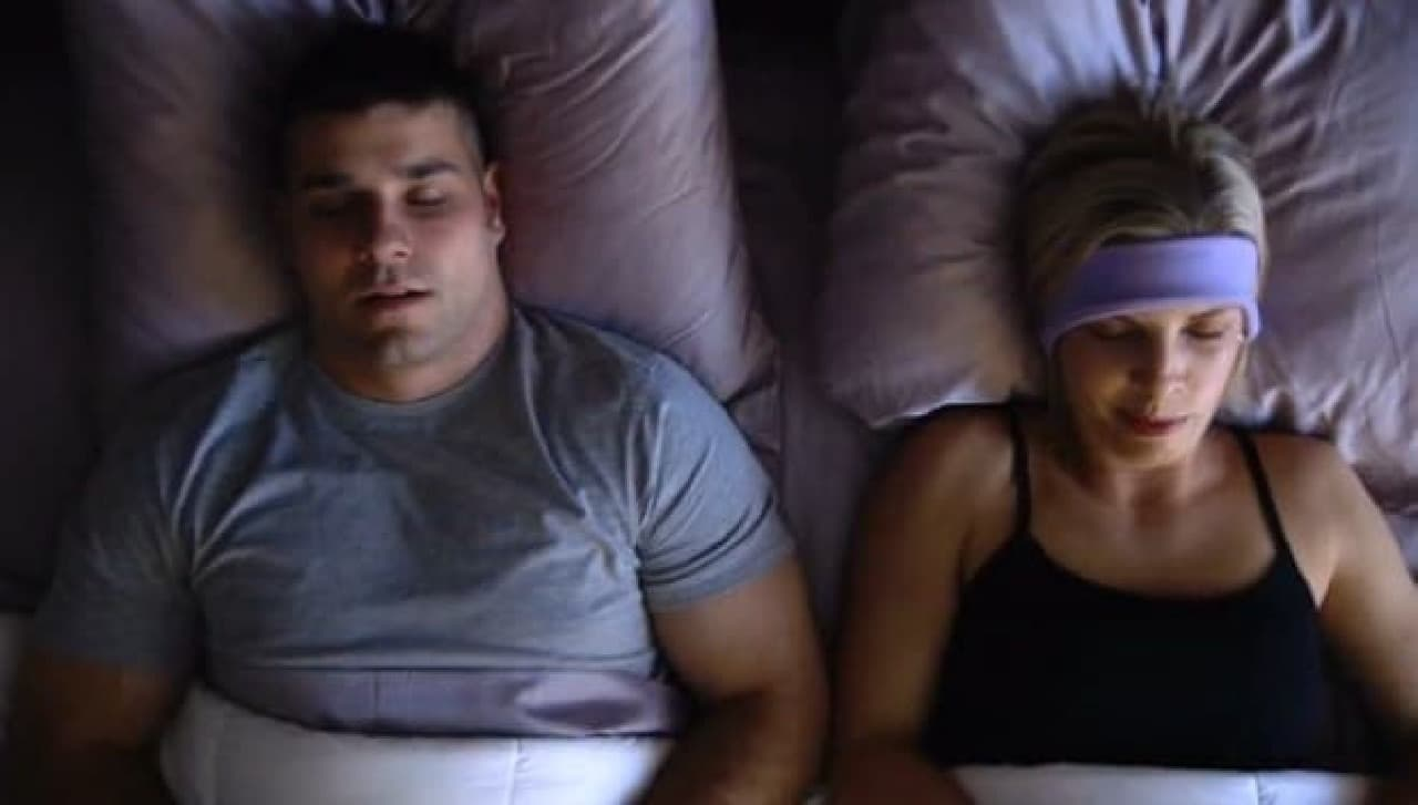 「SleepPhones」を装着して好きな音楽を聴けば、心地よく眠れます?