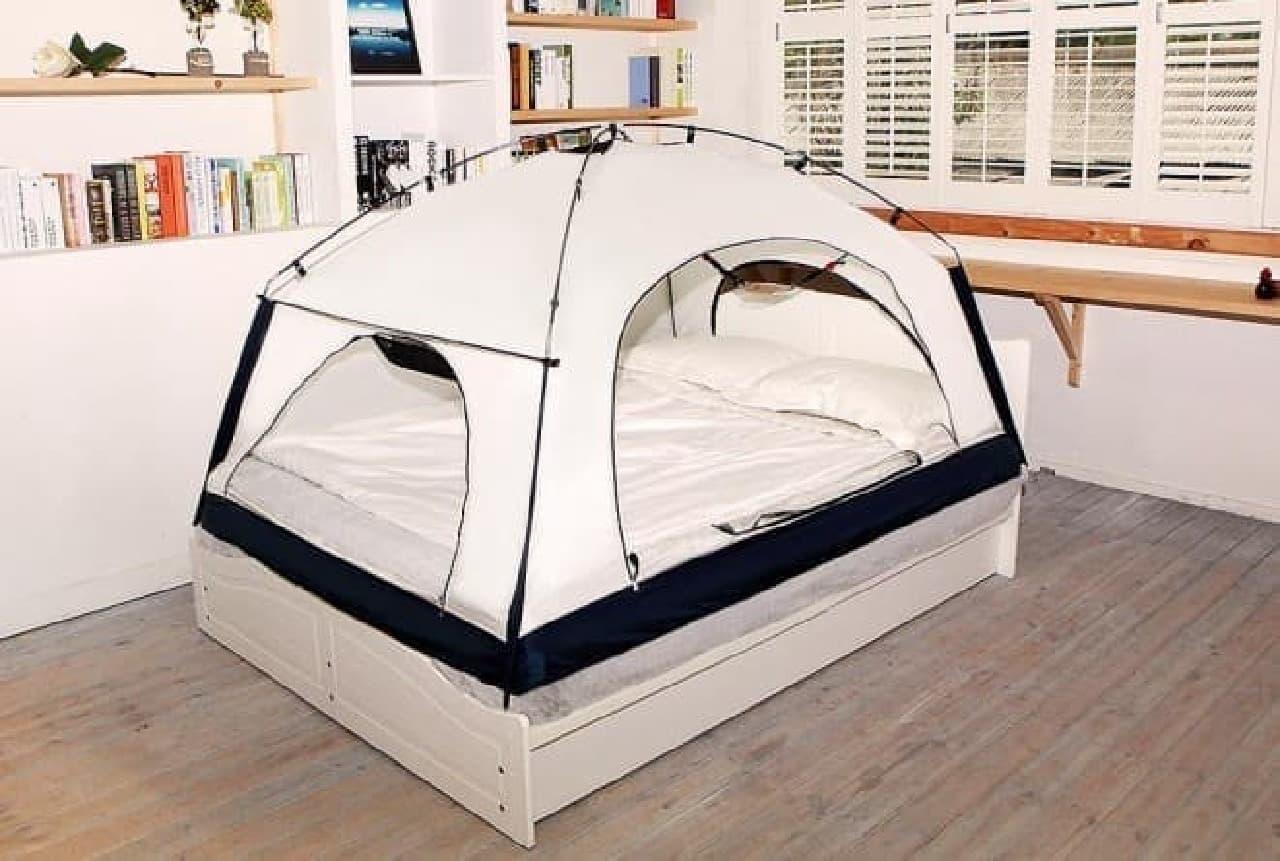 ベッドに設置する室内型テント「Room in Room」