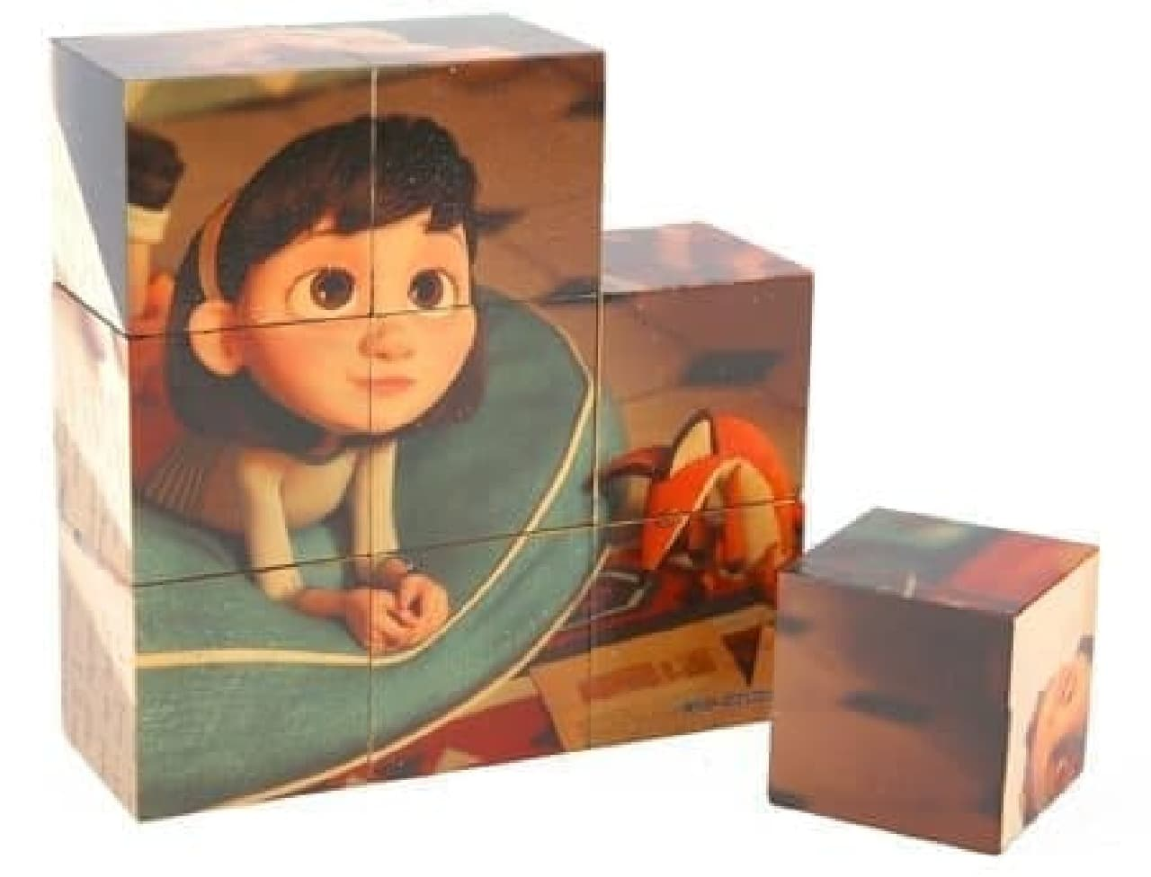木製のパズルキューブ