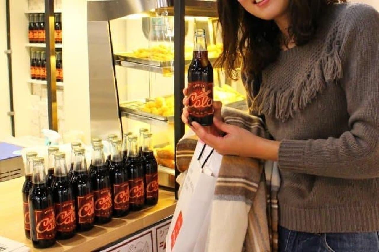 """「LUKAS FRIED FOOD&SODA」(7F)では、オリジナル""""シブヤコーラ""""が飲めます!"""