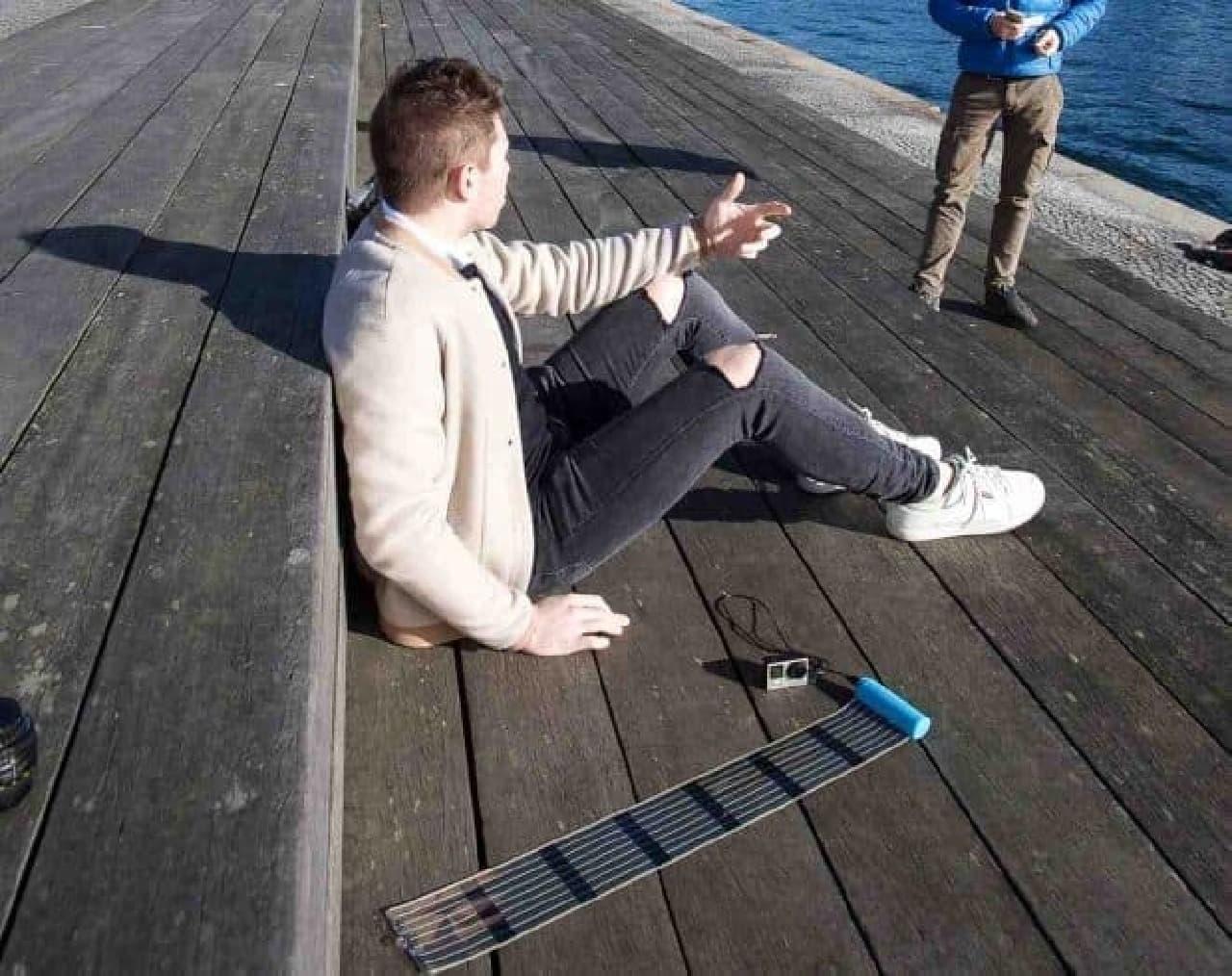 USB充電デバイスに対応(画像はカメラへの充電例)