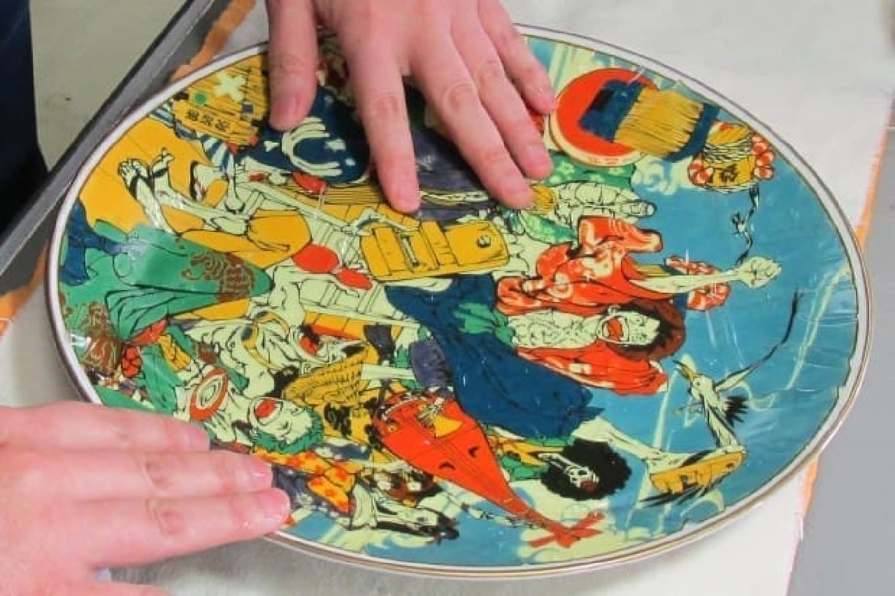 高級陶磁器メーカー 香蘭社が手がける