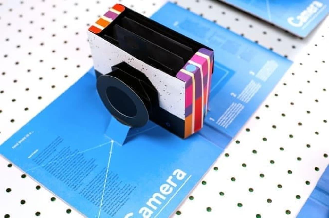 写真を撮れる飛び出す絵本「This Book is a Camera」