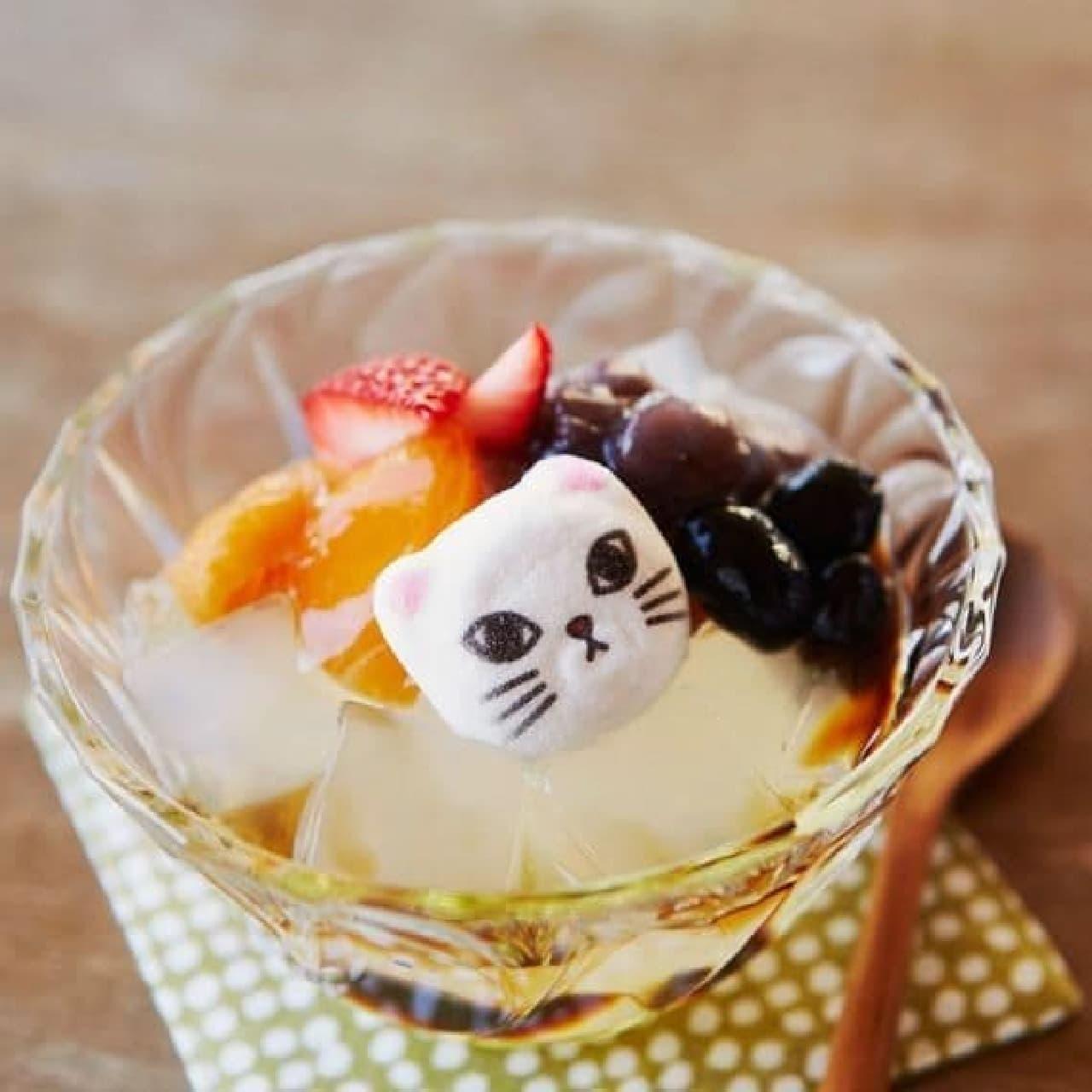 京都のあんみつはおいしいニャ