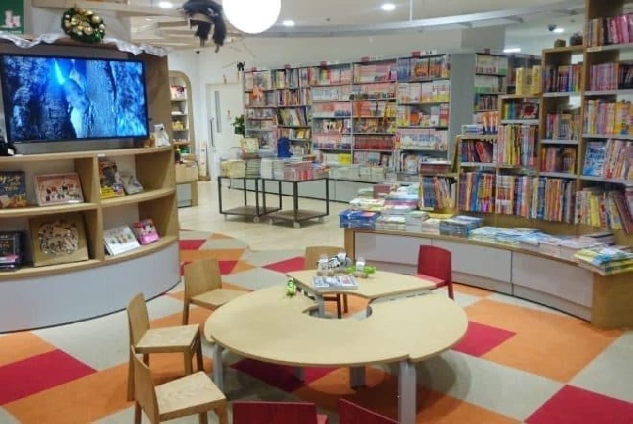 子どもが飽きない空間を目指した児童書売場「totoa」