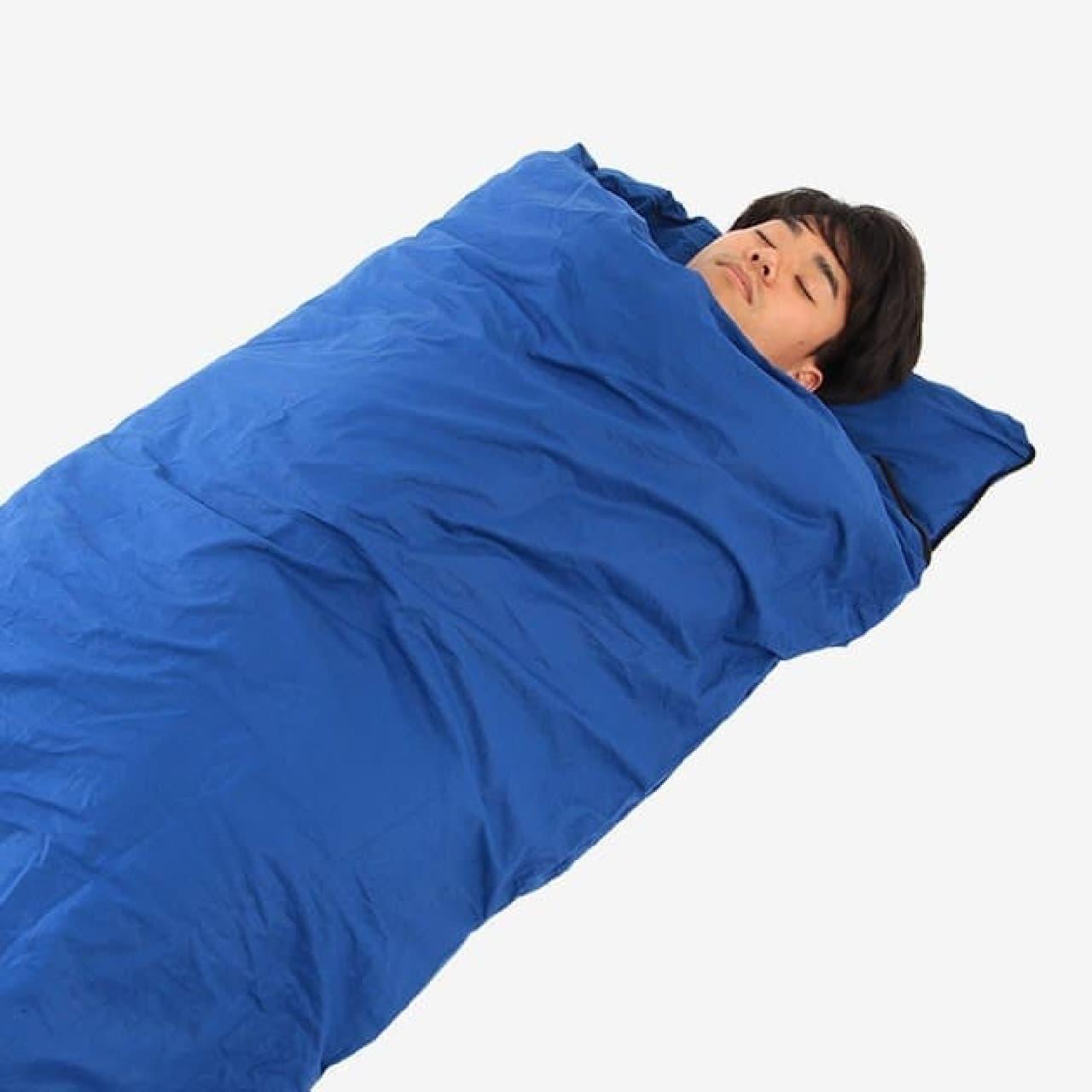 こちらは寝袋モード  掛け布団カバーとしては気になったカラーも  不思議としっくりきますね