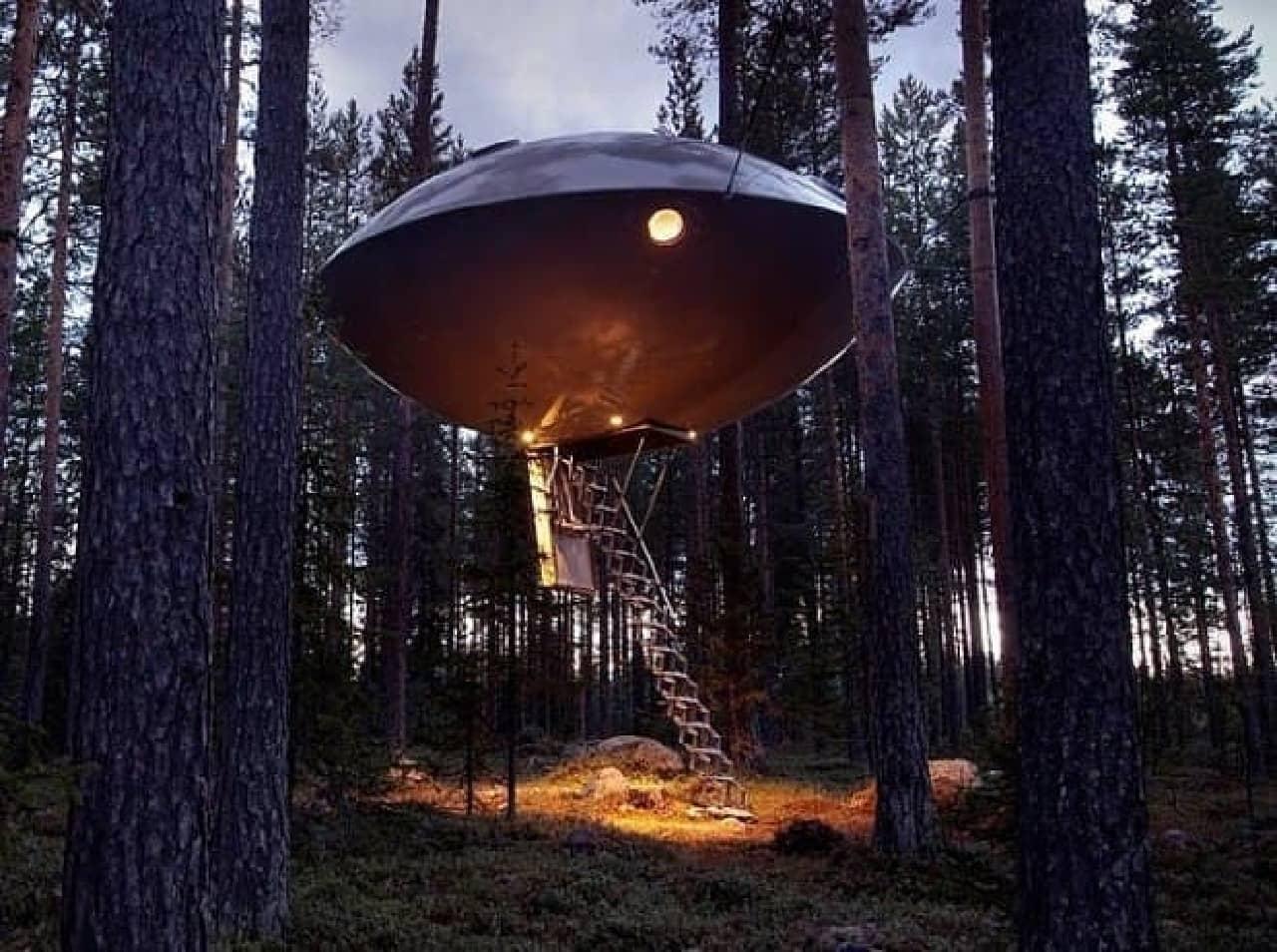 Treehotelの「THE UFO」  吸い込まれる~?