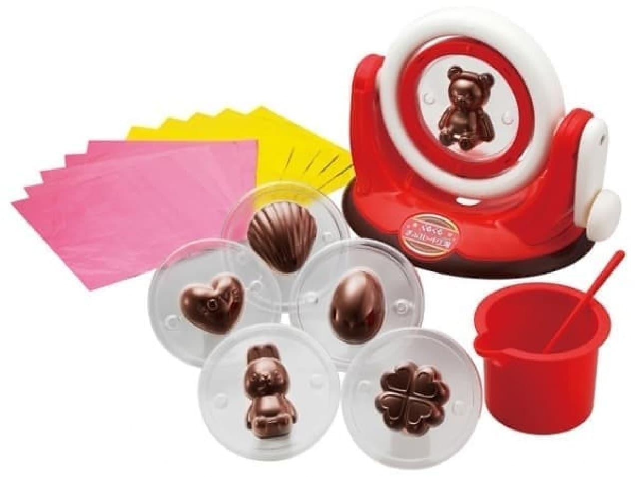 お店みたいな立体チョコが作れちゃう  (C)BANDAI