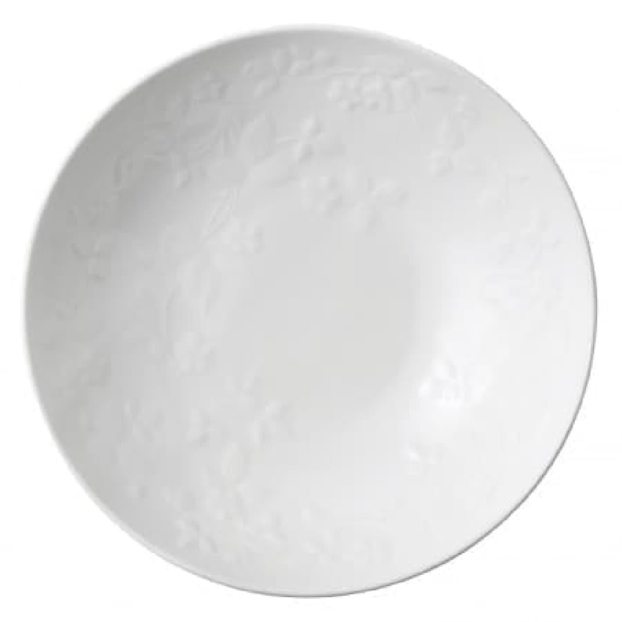 ボール 22cm 3,500円(税別)