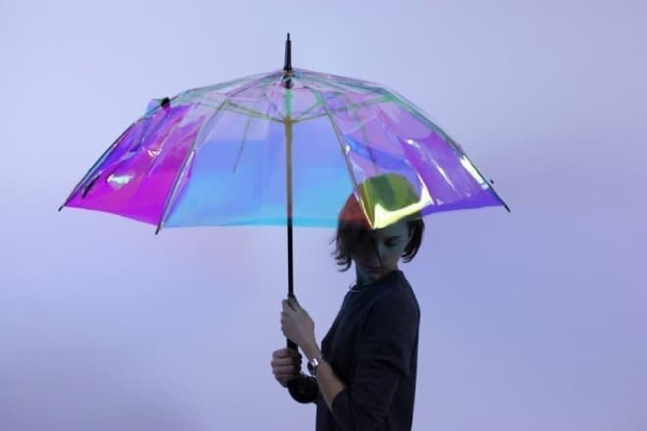 天気予報をする傘「Oombrella」