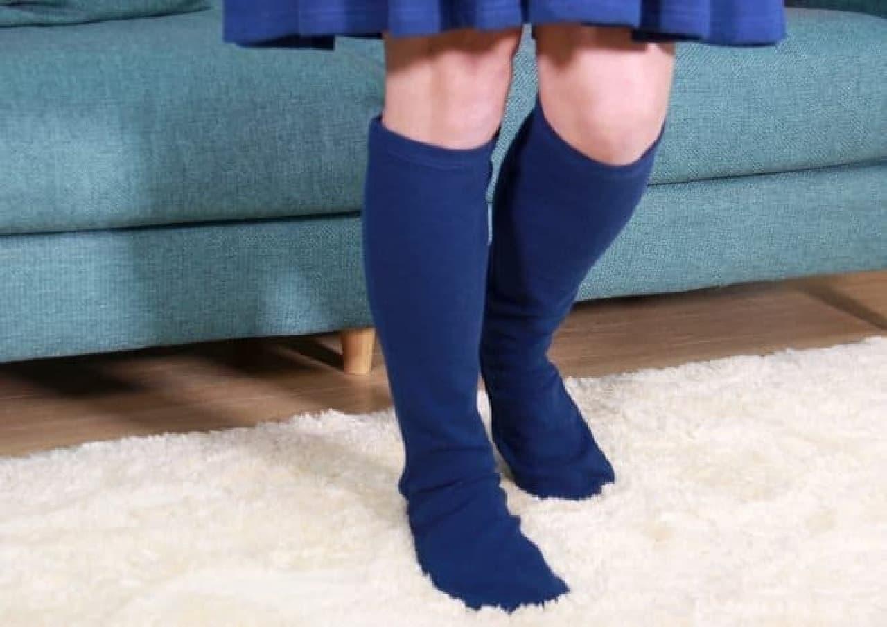 モデルは仲良真澄美さん(男性)  きれいな足ですね