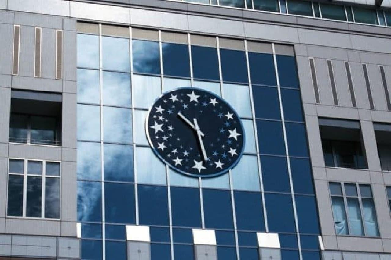 五十嵐氏は札幌駅南口外壁の「星の大時計」も手がけたデザイナー